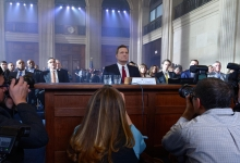 Jeff Daniels as James Comey in The Comey Rule for Showtime