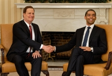 Jeff Daniels as James Comey and Kingsley Ben-Adir as President Barack Obama: The Comey Rule for Showtime
